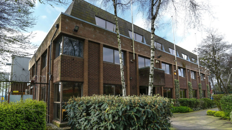 TO LET: Self-contained Office Suites