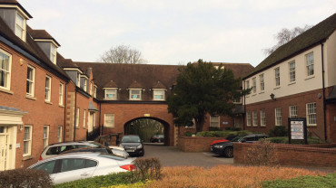 TO LET: Open Plan, Courtyard Style Office Accommodation