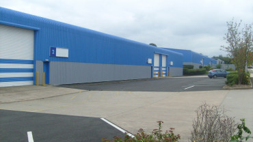 TO LET: Modern Industrial / Warehouse Units
