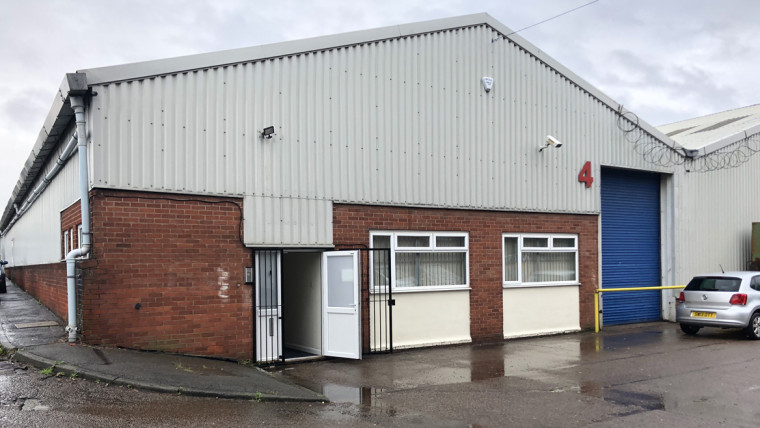 TO LET: Self-contained Industrial Warehouse / Production Unit