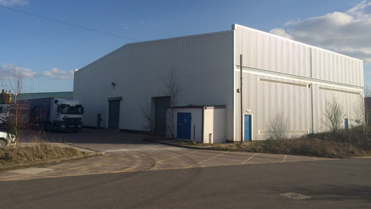 TO LET: Modern Warehouse Premises