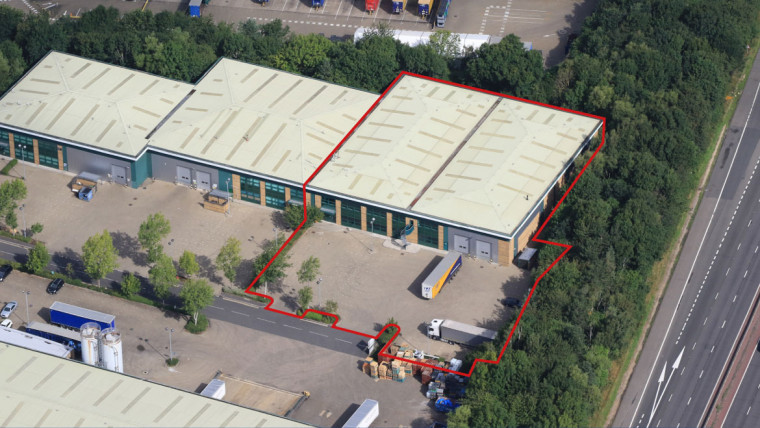TO LET: Modern Industrial/Warehouse Unit
