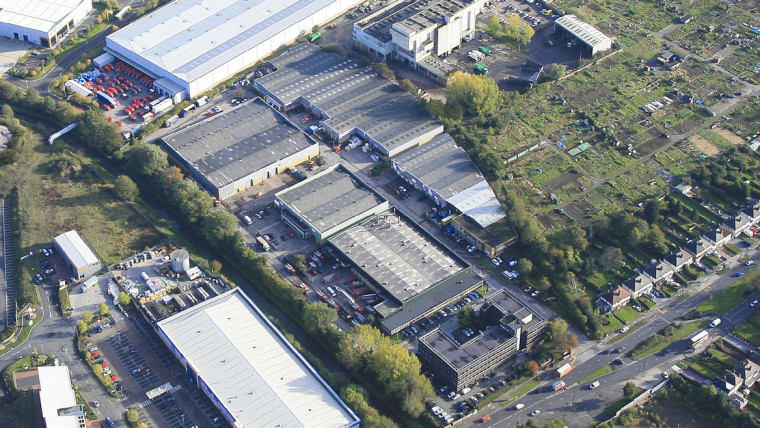 TO LET: Industrial / Warehouse Unit With Private Yard
