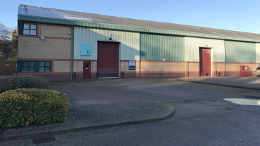 TO LET: Modern Industrial Warehouse Unit