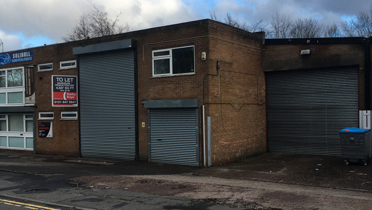 TO LET: Warehouse Unit
