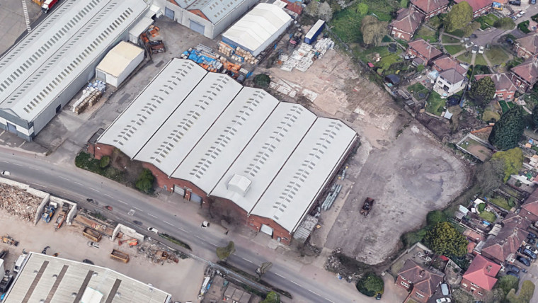 TO LET: Self Contained Warehouse Building