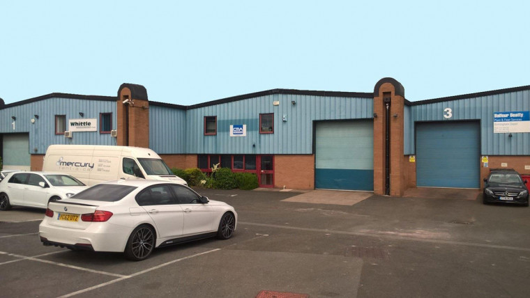 TO LET: Modern Warehouse / Production Unit