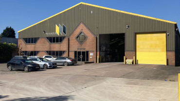TO LET: Warehouse / Industrial Unit
