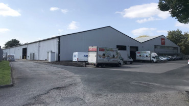 TO LET: Detached Self-Contained Warehouse